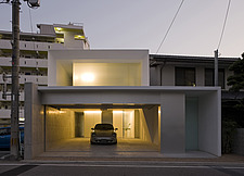 MA-HOUSE, Private House, View of the north facade in the evening - 90005-100-1