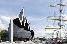 Riverside Museum by Zaha Hadid Architects is the Transport museum for Glasgow on the bank of the river Clyde - ARC107381